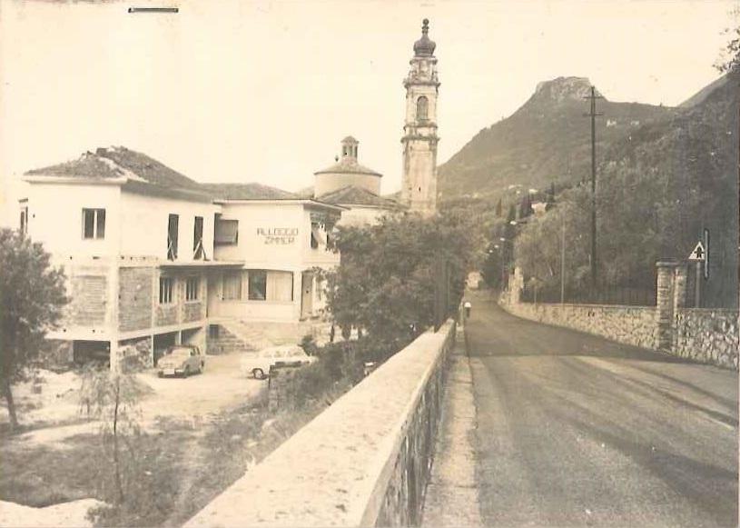 1957 - Erste Erweiterung des Hauses